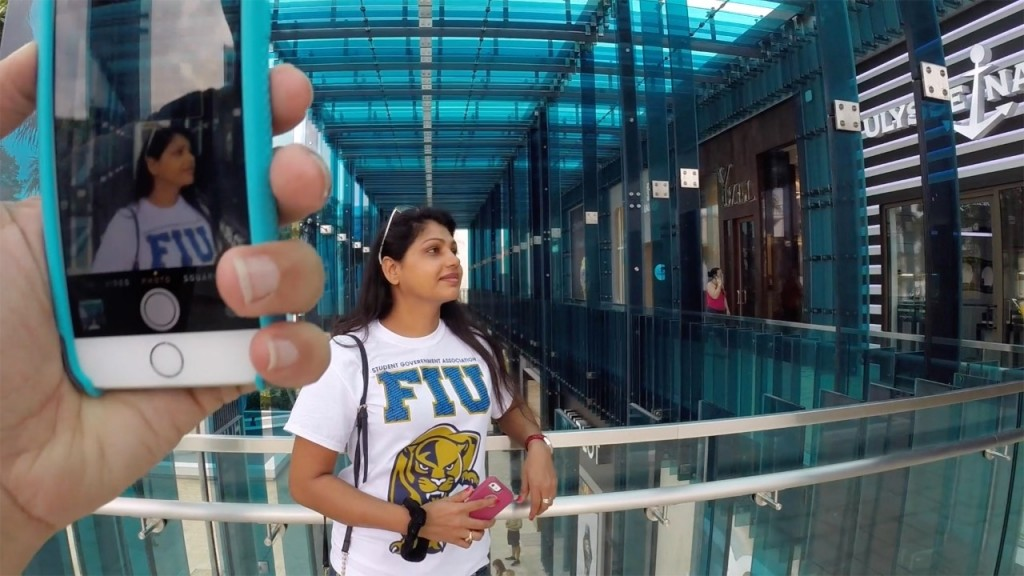 FIU shirt miami design district pic by Harold Rosario