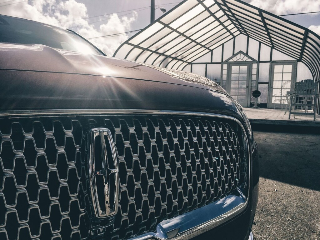 Lincoln 2017 continental grill
