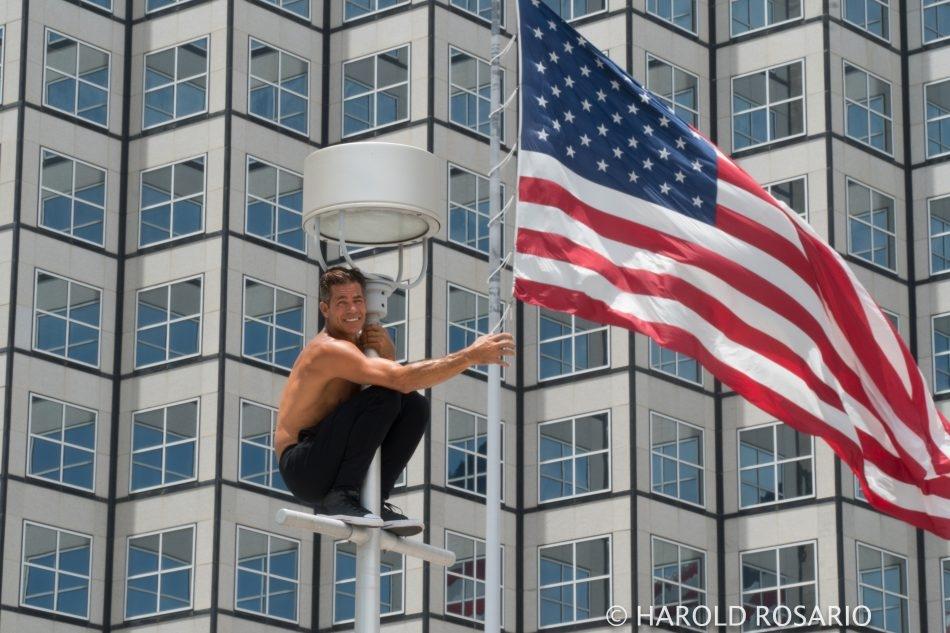 MIami Acrobat grabing flag-1